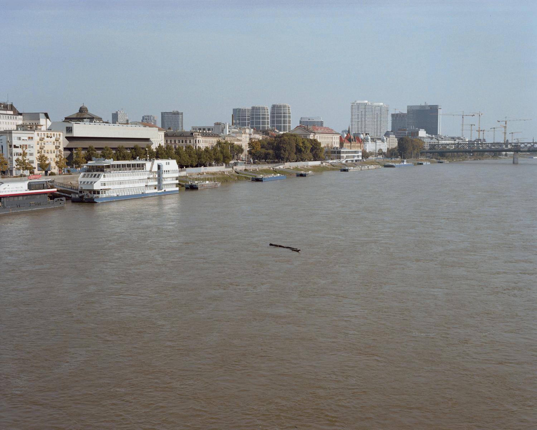 """Фото колумна Данила Вукасовића """"Swimming by the river"""". Део Трећи"""